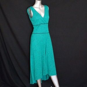 Dresses & Skirts - 🌹3/$24🌹PLUNGE FRONT & BACK MIDI DRESS